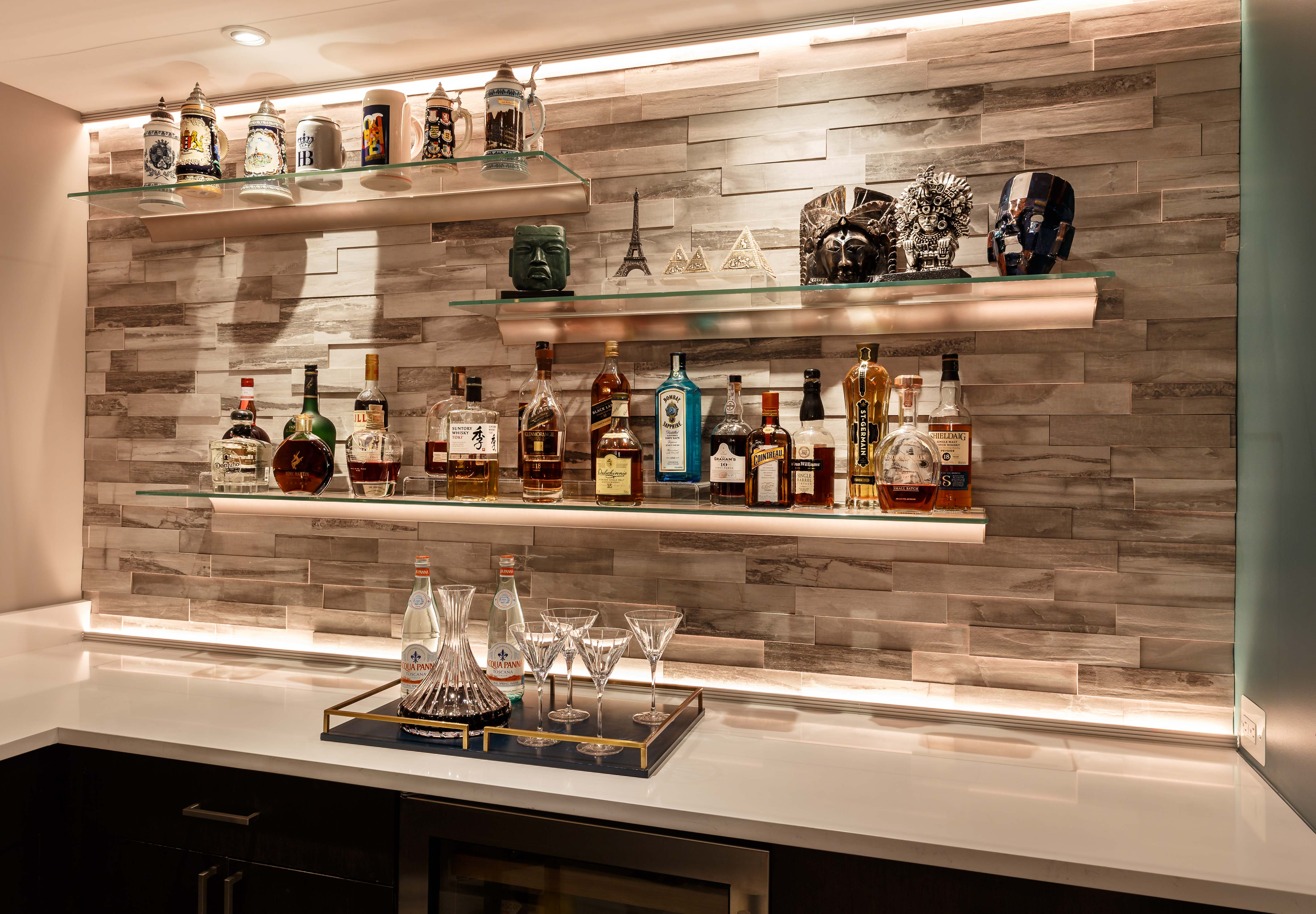 Bar stone all white shelves